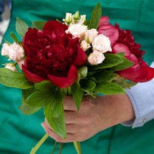 Blomsterbutik med hög omsättning på torg